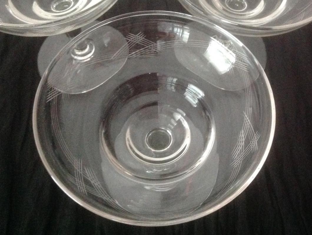 Старинни чаши для шампанско